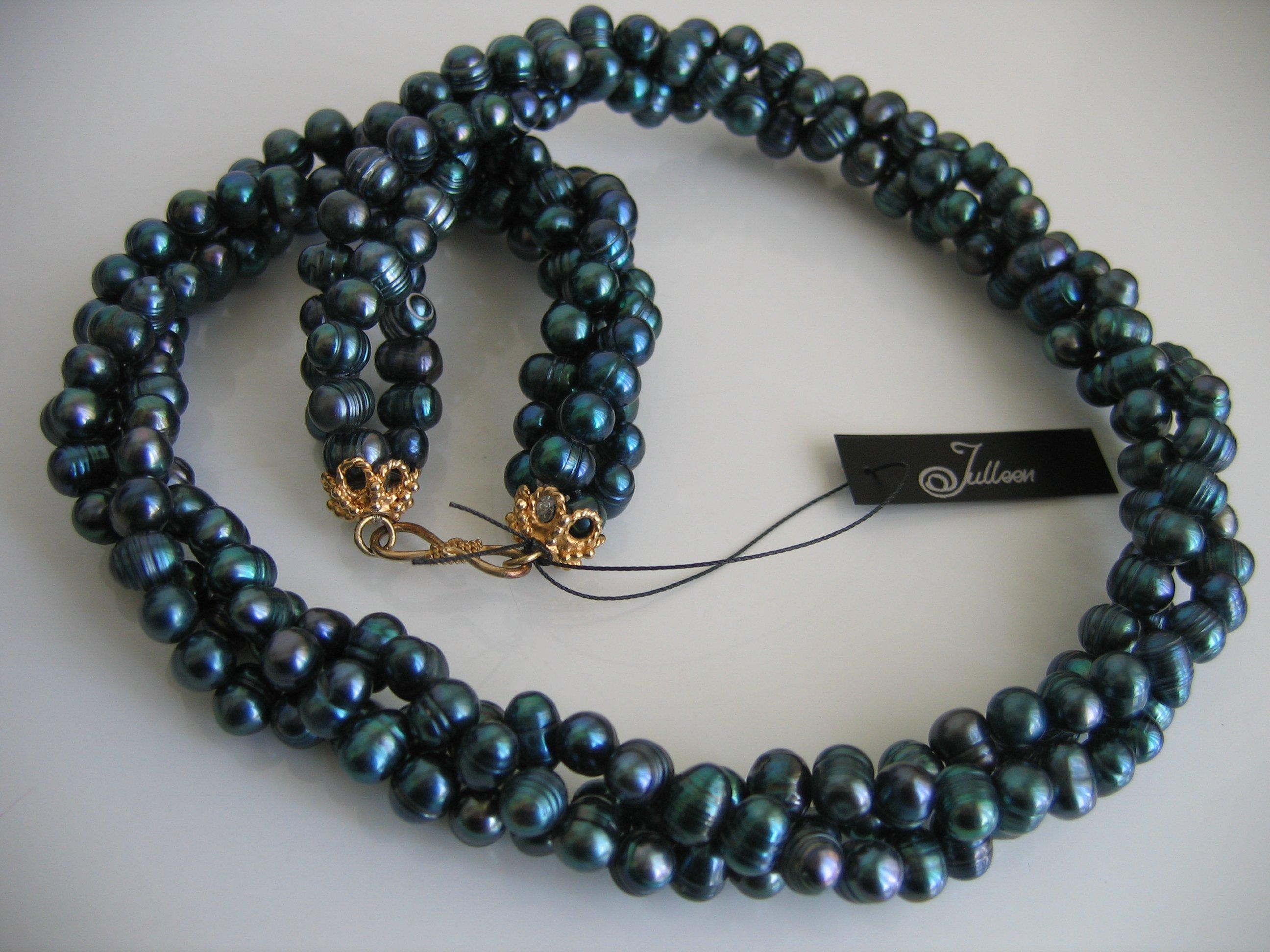Rich Green Triple Strand Twist Pearl Necklace