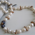 Xena-Pearls-Necklace-VND002-02